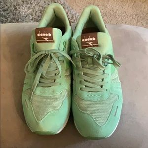 Men's diadora size 12
